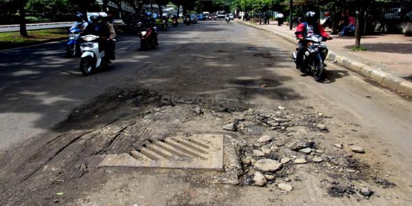 Ilustrasi jalan rusak (foto: Heru Haryono/ Okezone)