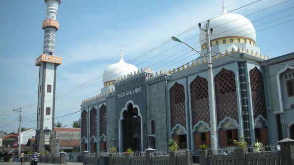 Masjid Agung Brebes, Jawa Tengah (Foto: youngkamikaze.wordpress)