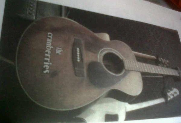 Gitar pertama Ariel (foto: dok buku Kisah Lainnya).