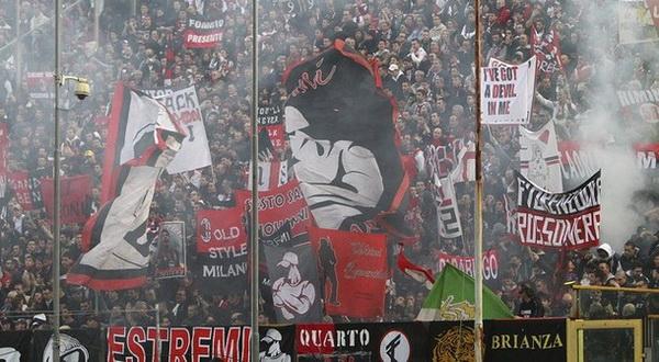Antusiasme Milanisti, pendukung setia AC Milan (Foto: Reuters)