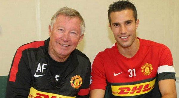 Sir Alex Ferguson (kiri) dan Robin van Persie (kanan). Foto: Manutd