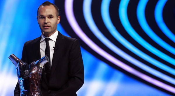Iniesta ,  UEFA Best Player in Europe Award 2012