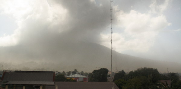Gunung Gamalama (foto: Mutya Hanifah/Okezone)