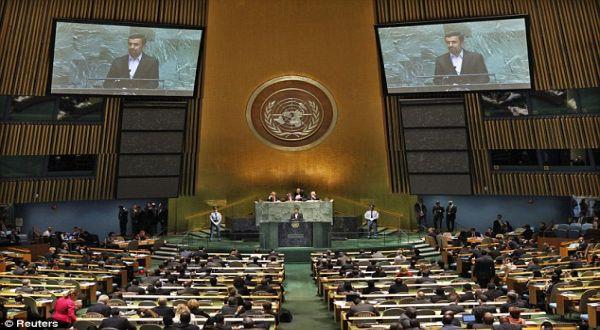 Foto : Ahmadinejad di PBB (Reuters)