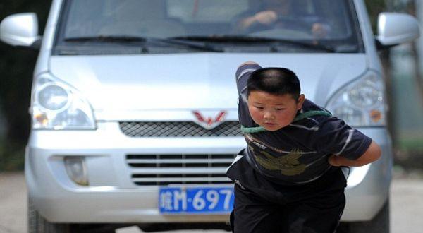 Foto : Jinlong si bocah kuat (China Foto Press)