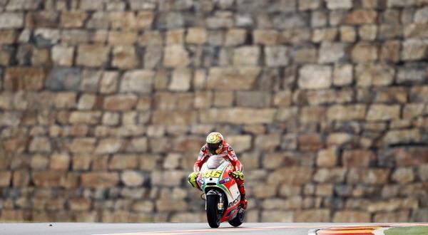 Valentino Rossi, yakin akan start dari posisi yang lebih baik dibanding hasil latihan sesi kedua/Reuters