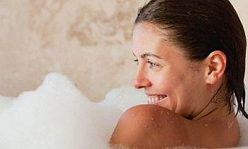 manfaat mandi dengan air dingin