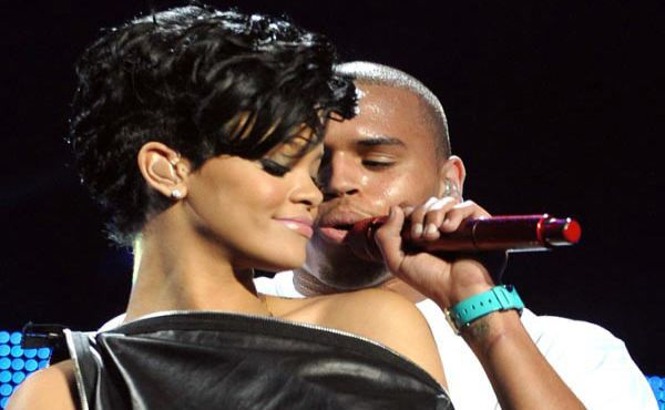 Rihanna dan Chris Brown (Foto: Hollywoodlife)