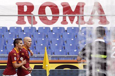 Michael Bradley (kanan) merayakan gol. (Foto: Reuters)