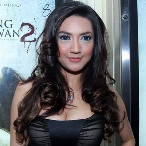 Download image Foto Hot Wiwid Gunawan Artis Berpayudara Besar PC ...