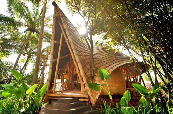 Rumah Bambu Di Desa Hijau Bali Foto Inhabitat