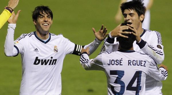 Para pemain Real Madrid merayakan gol (Foto: Reuters)
