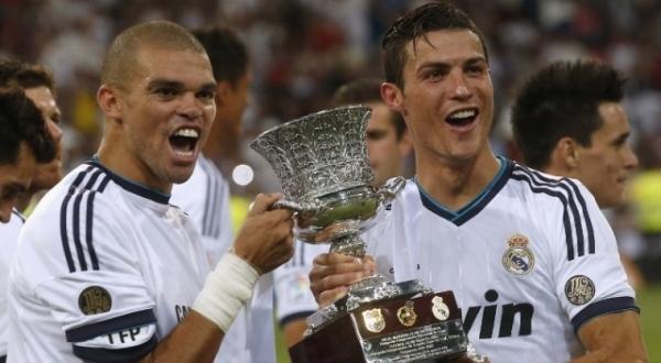 Kepler Laveran Lima Ferreira & Cristiano Ronaldo dos Santos Aveiro jadi bahan pujian Lionel Andres Messi (Foto: Reuters)
