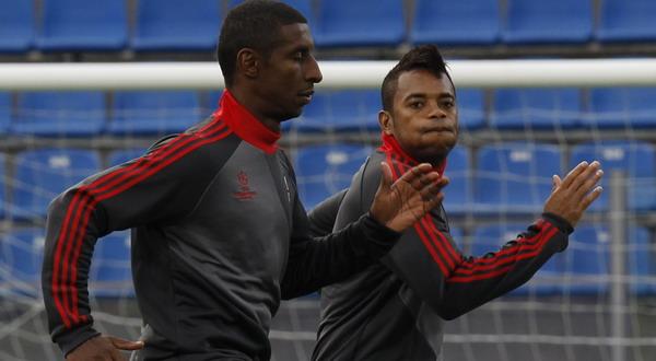 Robinho bersama dengan Kevin Constant mengikuti sesi latihan Milan (Foto: Reuters)
