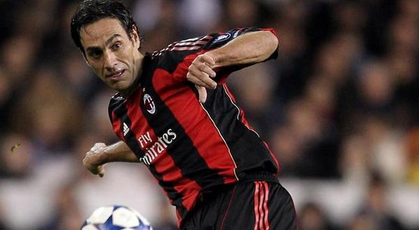 Nesta saat masih mengenakan kostum AC Milan. (Foto: Reuters)