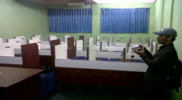 Lab bahasa Indonesia yang dirampok (Amba Dini/Okezone)