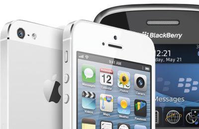 5EJGgfxxk6 Bea Cukai AS Galau Pilih BlackBerry Atau iPhone