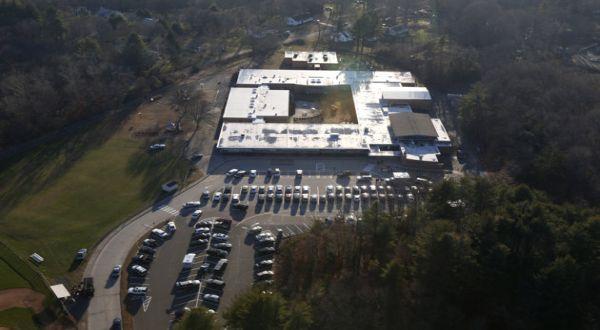Sekolah Sandy Hook (Foto: AP)
