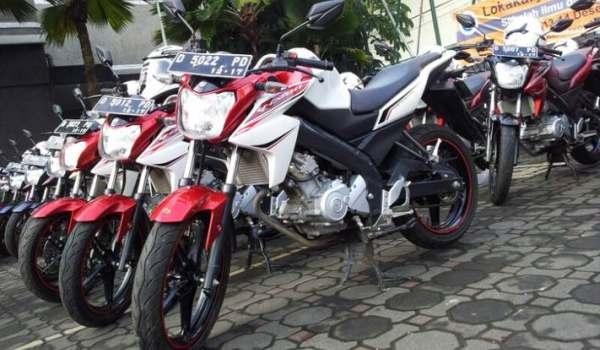 Yamaha Vixion R Price