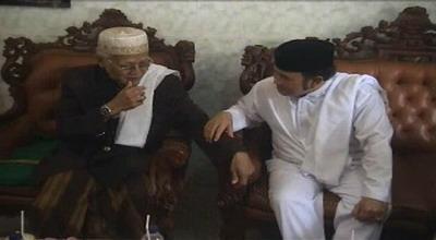 Rhoma saat silahturahmi ke Ketua Dewan Syuro PKB (Foto: Mukhtar Bagus)