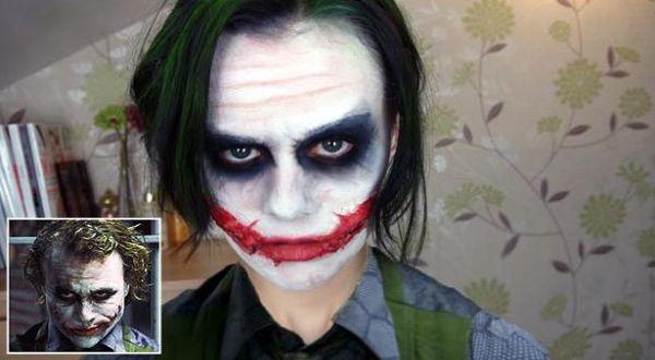 Foto : Emma gunakan make-up Joker (barcroft media)