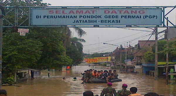 Banjir di Jakarta Bekasi Jatiasih 2013