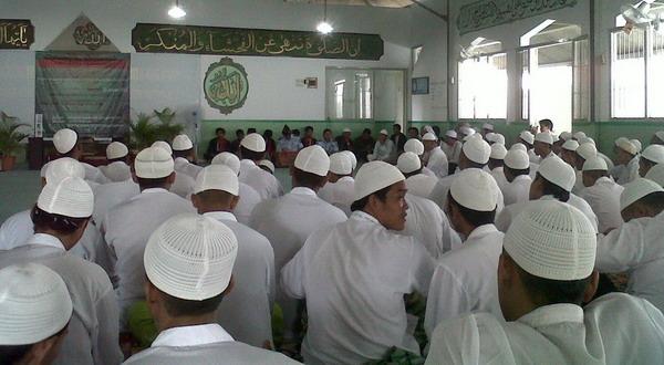 Ratusan Napi ikuti pengajian akbar Maulid Nabi (foto: Prabowo/Okezone_