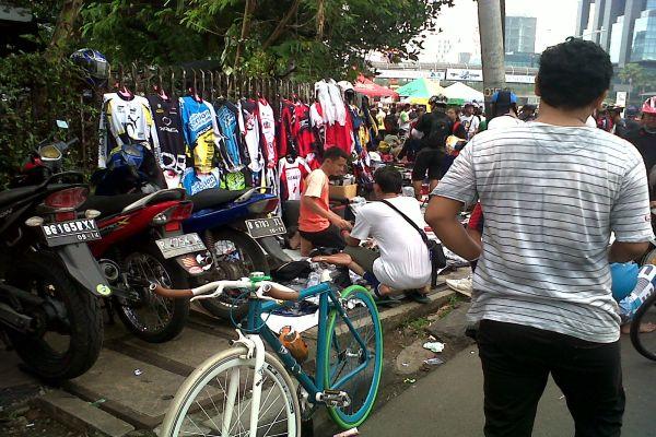 Kondisi pedagang saat Car Free Day (Foto: Dony/Okezone)