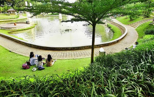 Taman ayodya, jakarta. sumber: blogspot