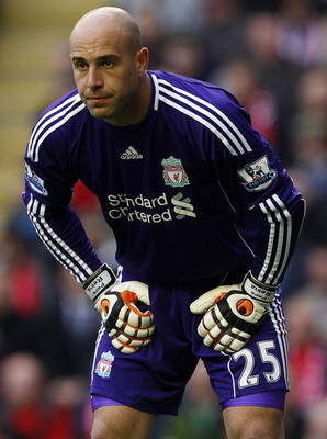 Berita Bola Barca glance, Reina: I'm at Liverpool until 2016