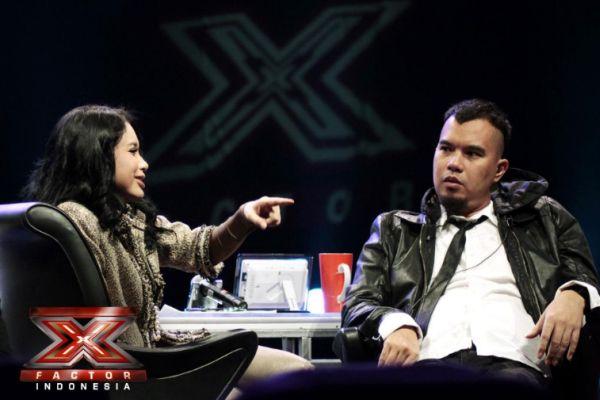 Rossa dan Ahmad Dhani jadi juri X Factor Indonesia (Foto: Luthfi/okezone)