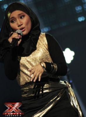 Fatin Shidqia Lubis saat tampil di babak Showcase X Factor Indonesia (Foto: Muhammad Luthfi Rahman/okezone)