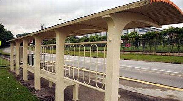 Foto : Halte bus tempat arwah sang guru mendatangi muridnya/ST