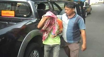 Ms digiring ke Mapolres Jombang (Dok: Mukhtar Bagus/Sindo TV)