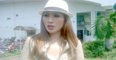 Tata Janeta Minta Cerai karena Suami Sering Menghilang