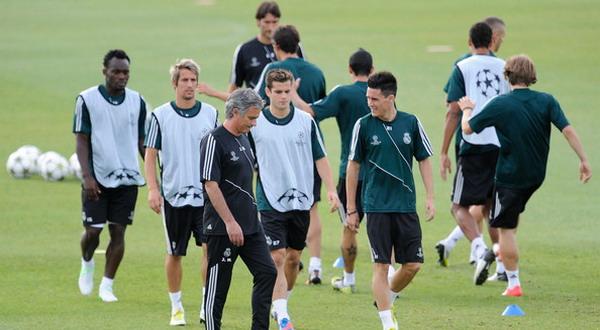 Sejumlah pemain Real Madrid saat sesi latihan. (Foto: ist)