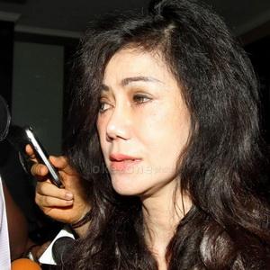 Ditanya Isi Percakapan Yuni & Polisi, Ibunda Raffi No Comment