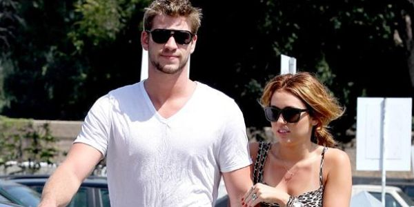 Miley Cyrus & Liam Hemsworth Batal Nikah?