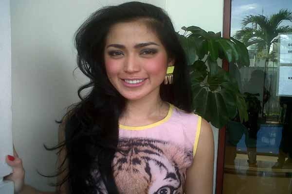 Jessica Iskandar Curigai Ketidakhadiran Raffi di Pengadilan
