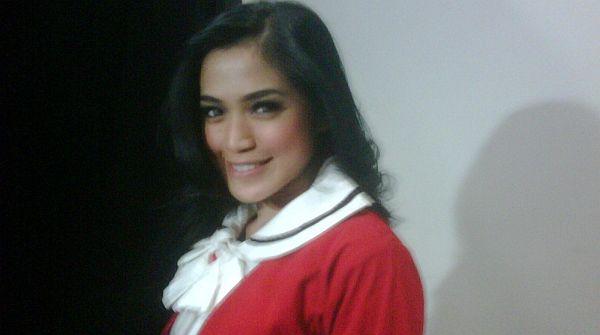 Jessica Iskandar Bahagia Ayu Dewi Melahirkan Bayi Perempuan