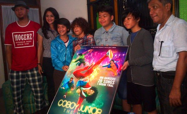 Main Film, Coboy Junior Adu Akting Bareng Aktor Korea
