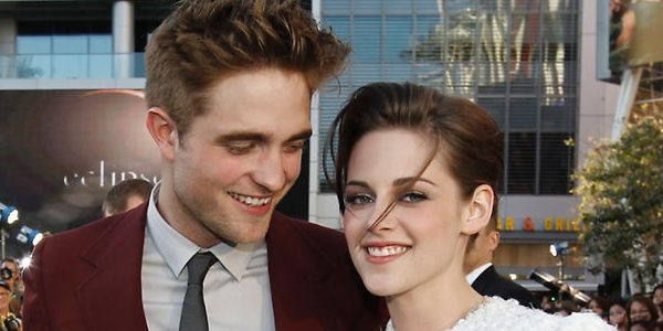Robert Patinson-Kristen Stewart Nyesal Main Twilight