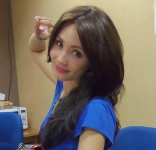 Cheverly Amalia Tekuni Bisnis Penerbitan Buku