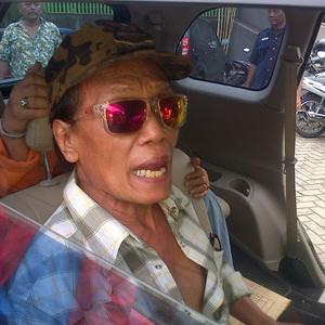 Kenal Lama, Tessy Dikasih Mobil oleh Eyang Subur