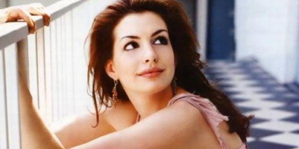 Anne Hathaway Nangis Kehilangan Popularitas