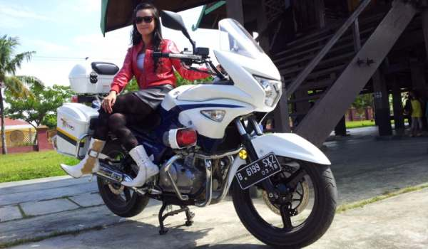 Suzuki Inazuma'Police Style'