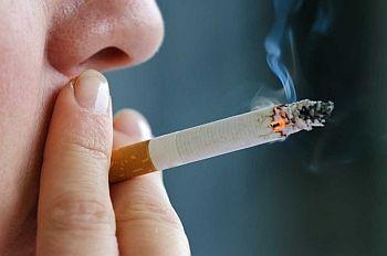 Perokok Usia Muda Risiko Jadi Pecandu Berat