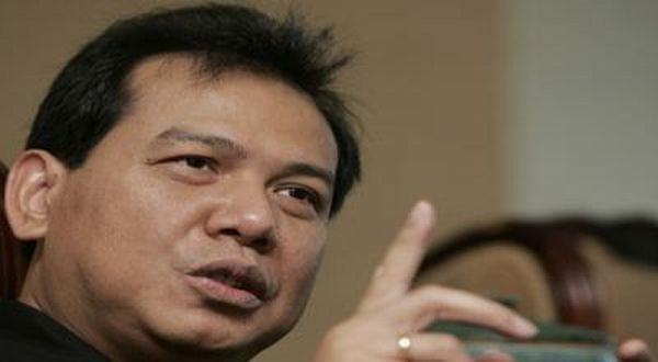 BALI - Orang terkaya kelima di Indonesia Chairul Tanjung mengaku dirinya sedang menawar PT Visi Media Asia Tbk (VIVA) sebesar USD1,8 miliar secara tunai (setara Rp17,46 triliun dengan kurs Rp9.700 per USD). PT Visi Media Asia adalah salah satu grup media terbesar di Asia Tenggara yang dimiliki Aburizal Bakrie.