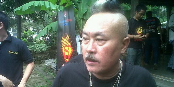 Gogon Srimulat Rindu Nongkrong di Angkringan
