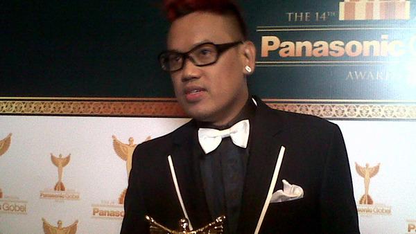 Uya Kuya & Cinta Kuya Kompak Raih Panasonic Gobel Awards 2013